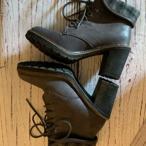 White Mountain Gray and Plaid Jay Jay boots